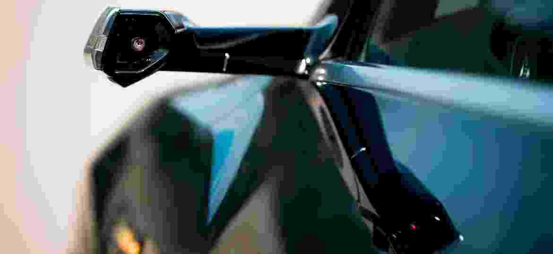 SUV e-tron, 1º carro 100% elétrico da Audi, será vendido em 2020 com câmeras substituindo os espelhos convencionais - Divulgação