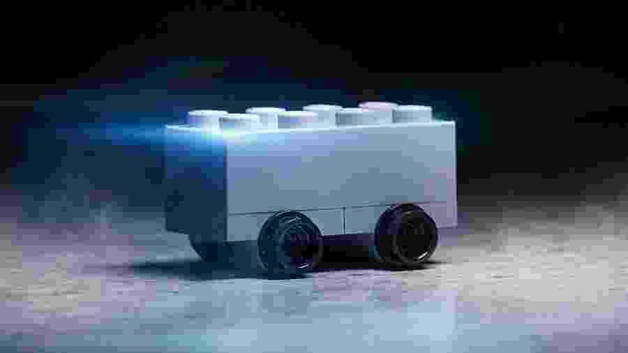 Paródia do Cybertruck feita pela Lego - Divulgação