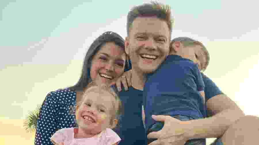 Michel Teló, Thais Fersoza e os filhos, Melinda e Teodoro - Reprodução/ Instagram