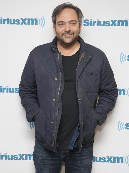 19.abr.2018 - O músico Adam Schlesinger visita o SiriusXM Studios em Nova York (EUA) - Mireya Acierto/Getty Images