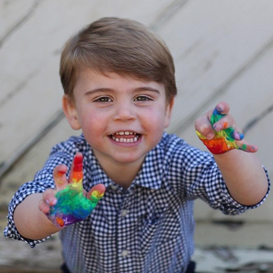 Príncipe Louis completa 2 anos nesta quarta-feira (23/04)