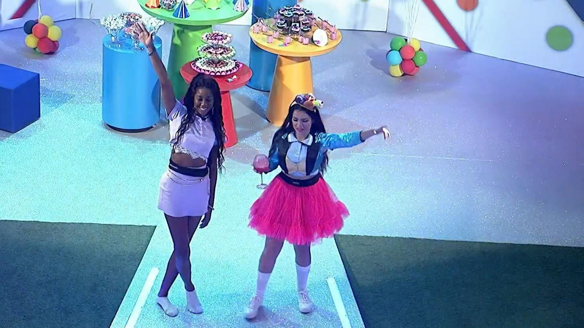 BBB 21: Juliette e Camilla na festa - Reprodução/Globoplay