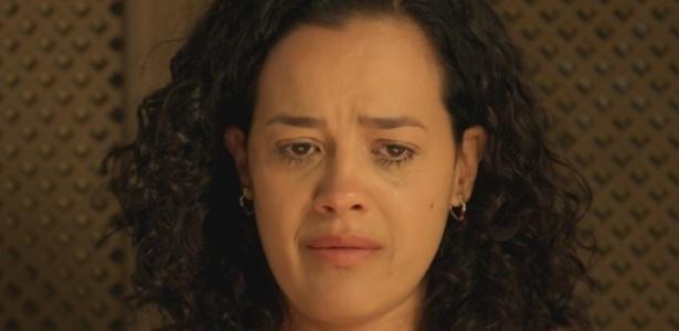 """Em """"A Regra do Jogo"""", Domingas chora ao descobrir que César foi embora - Reprodução;Gshow"""