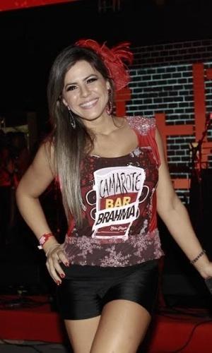 5.fev.2015 - A ex-panicat Tânia Oliveira no Camarote Bar Brahma no Sambódromo do Anhembi, no primeiro dia do Carnaval de São Paulo