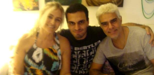 Nizo Neto com o filho Rian e a ex-mulher Brita Brazil - Reprodução/Facebook
