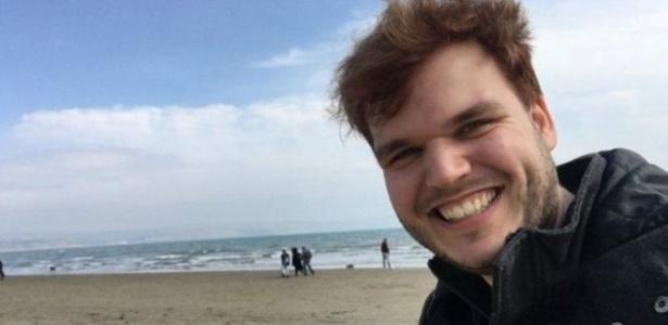 Robin, 24, diz que não tem desejo de fazer sexo com ninguém e não se incomoda com isso - Arquivo Pessoal/ BBC