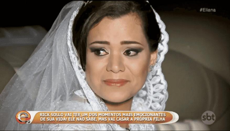 """23.out.2016 - O sertanejo Rick se emocionou ao ser surpreendido com o casamento da própria filha, Monica, durante o programa """"Eliana"""", do SBT - Reprodução/SBT.com.br"""