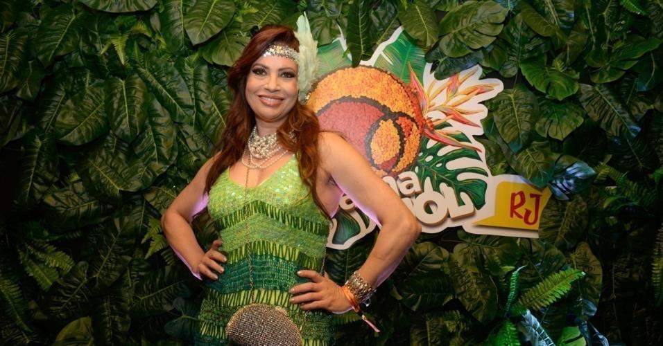 Na segunda noite de desfiles do Rio, a atriz Isadora Ribeiro aproveitará o samba no camarote do CarnaUOL. Ainda há ingressos para o CarnaUOL na Sapucaí. Compre aqui
