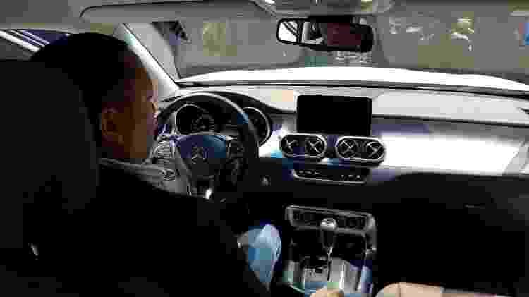 Mercedes Classe X por dentro - UOL Carros - UOL Carros