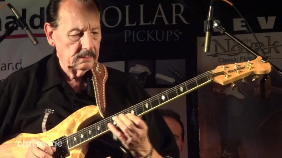 O guitarrista Nokie Edwards, dos Ventures - Reprodução