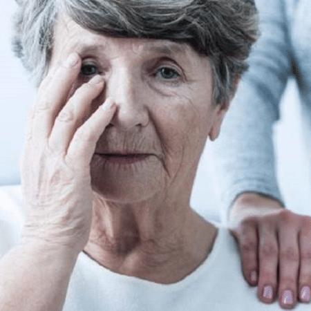Um dos primeiros sintomas do Alzheimer é a perda de memória recente - Getty Images