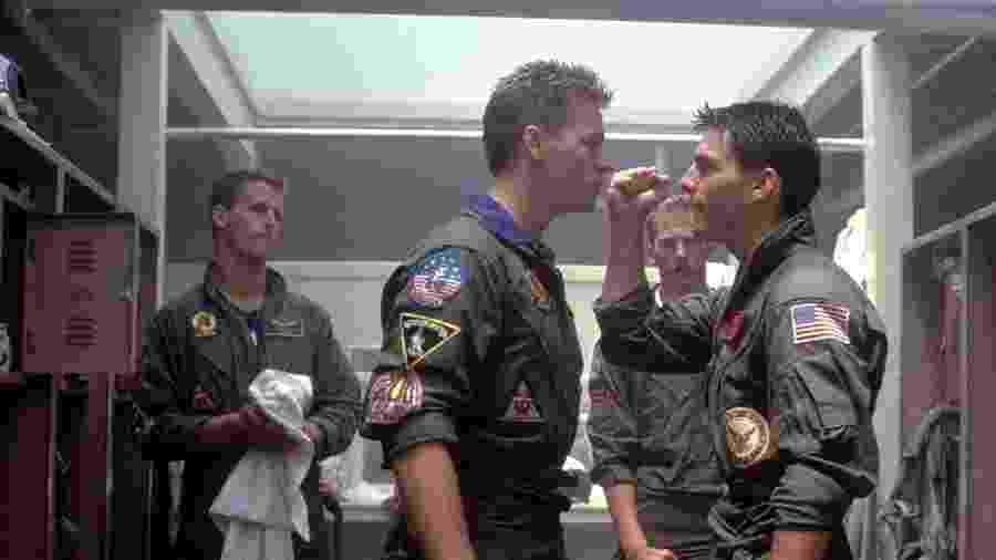 """Val Kilmer e Tom Cruise em cena de """"Top Gun: Ases Indomáveis"""" - Reprodução"""