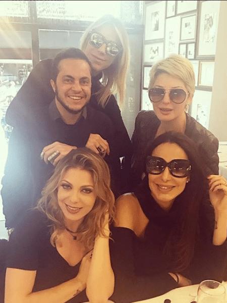 Thammy Miranda, Ciça Camargo, Antonia Fontenelle, Sheila Mello e Carol Marra - Reprodução/Instagram