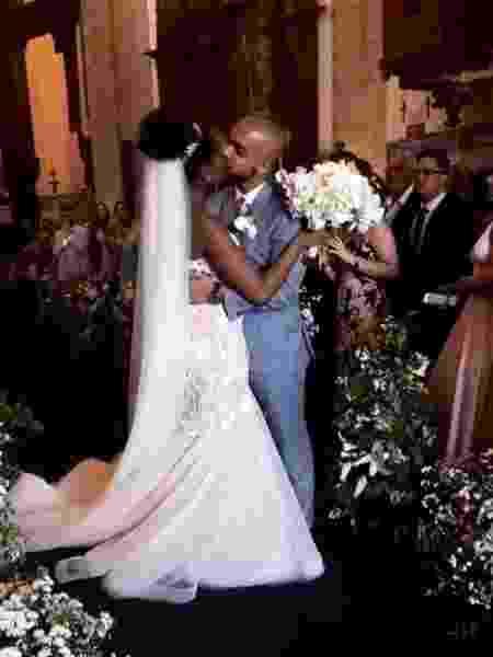 A cantora Iza e o produtor musical Sérgio Santos se casam no Rio de Janeiro - Reprodução/Instagram - Reprodução/Instagram