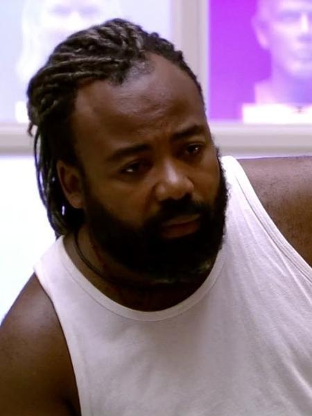 Rodrigo conversa com os brothers sobre racismo - Reprodução/GloboPlay