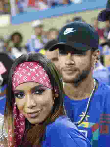 Neymar foi à Sapucaí e encontrou Anitta e a ex, Bruna Marquezine - Marcos Ferreira / Brazil News
