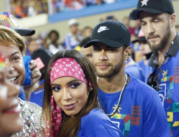 Após Chegar Com Anitta E Medina, Neymar Fica No Mesmo