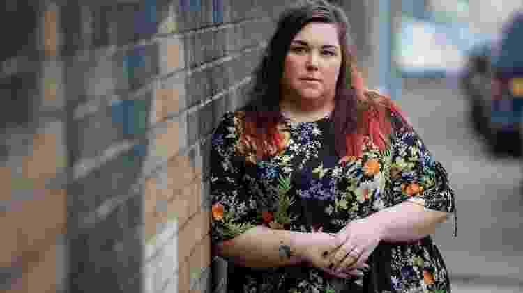 Jemma passou a se dedicar à arte têxtil como uma forma de terapia para lidar com abuso sofrido na adolescência - TOM MADDICK/SWNS