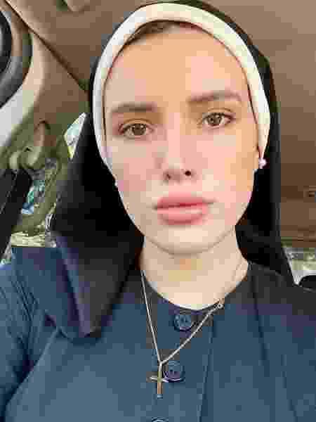 Bella Thorne vestida de freira - Reprodução/Instagram