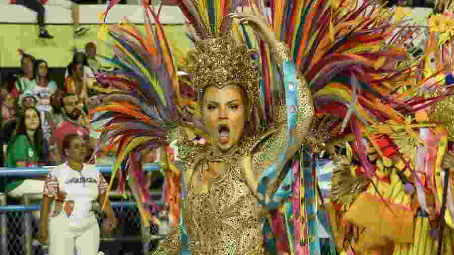 Luísa Sonza  desfila pela Grande Rio - Roberto Filho/BrazilNews