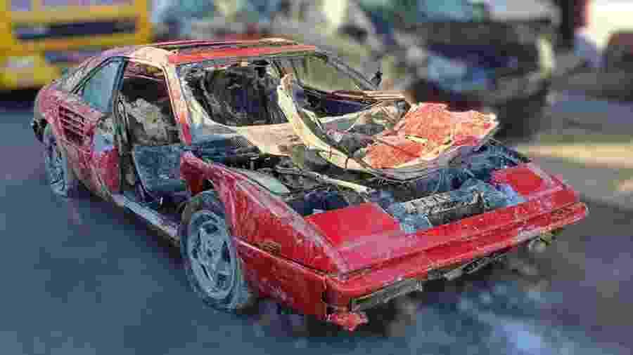 Ferrari Mondial 1987 perdida em rio na Holanda - Reprdução