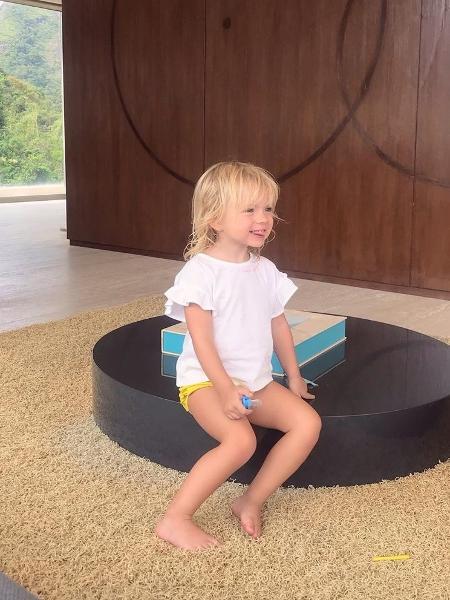 Manuela, filha de Eliana e Adriano Ricco - Reprodução/Instagram
