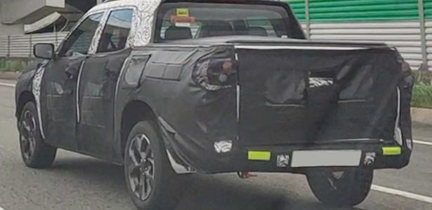Nova Chevrolet Montana de cabine dupla é flagrada em testes; veja