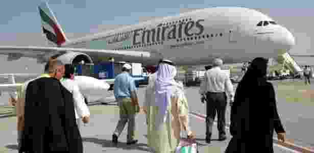 Em algumas aeronaves A380 dos voos ultralongos da Emirates há dois banheiros com duchas - Getty