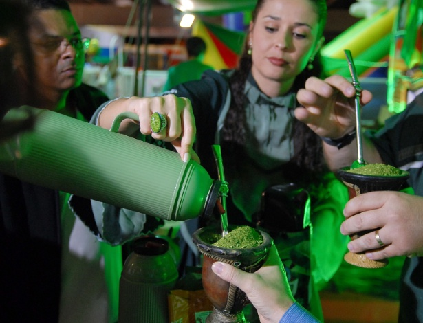 Na expotchê, visitantes podem levar e provar diferentes produtos de um item crucial da cultura gaúcha: o mate - Divulgação
