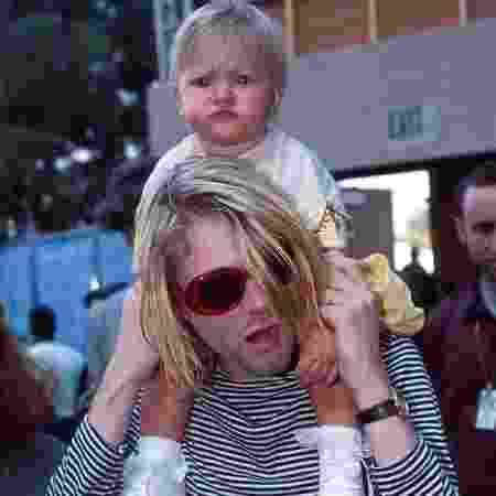 Kurt Cobain e Frances Bean nos anos 90 - Rpeordução/Pinterest - Rpeordução/Pinterest