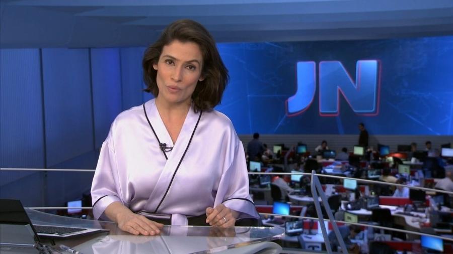 """Figurino de Renata Vasconcellos em chamada do """"JN"""" vira meme nas redes sociais - Reprodução/TV Globo"""