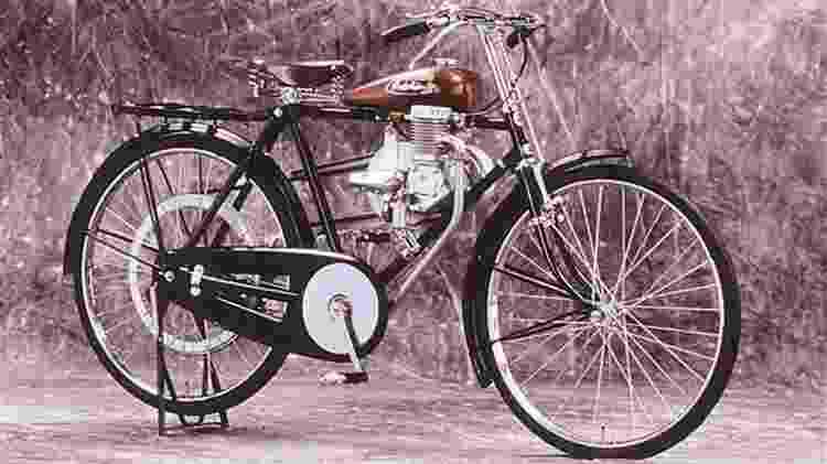 Honda surgiu para fazer motos, mesmo. Mas, até chegar lá, teve de começar com bicicletas motorizadas - Reprodução