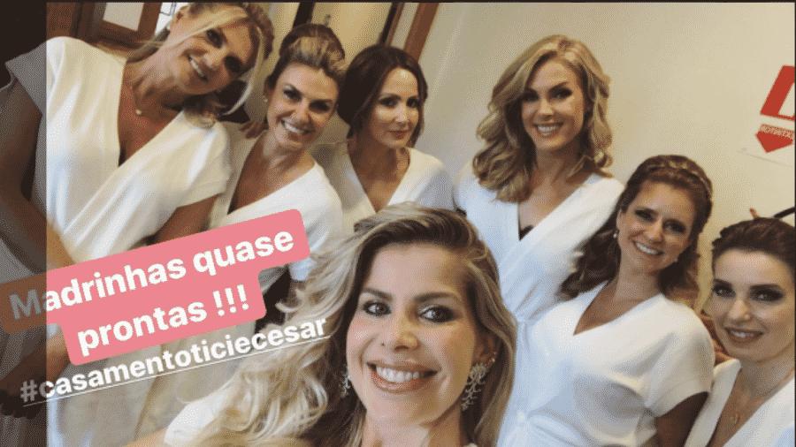 Karina Bacchi e Ticiane Pinheiro entre outras madrinhas de casamento de Ticiane Pinheiro - Reprodução/Instagram