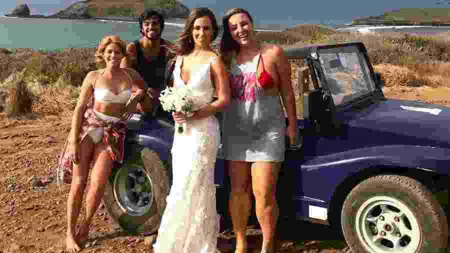 Isabella Santoni, Rodrigo Sima e amiga deram carona de bugue para noiva - Reprodução/Instagram