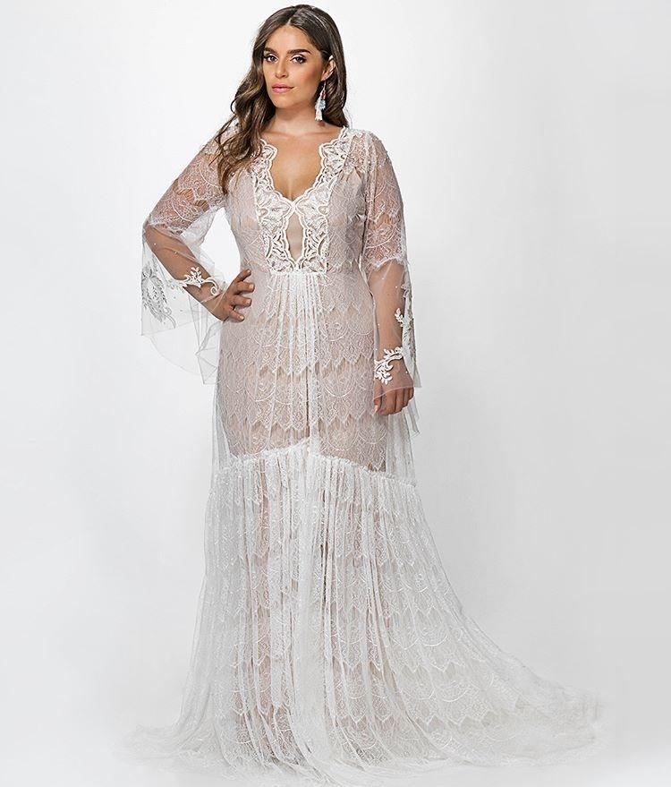 4e563922bf32 Veja 30 inspirações de vestidos de noiva plus size para arrasar no altar -  15/01/2018 - UOL Universa