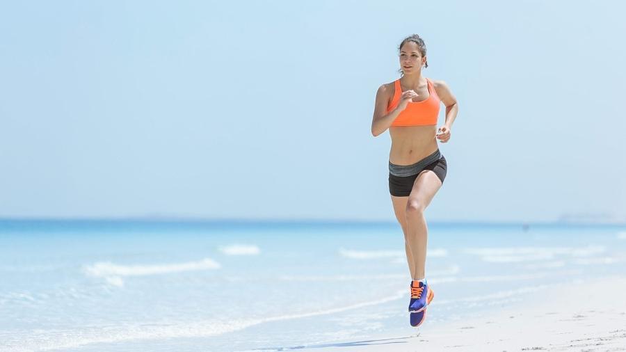 43514d8fb Correr na areia queima mais calorias que no asfalto  veja dicas de treino