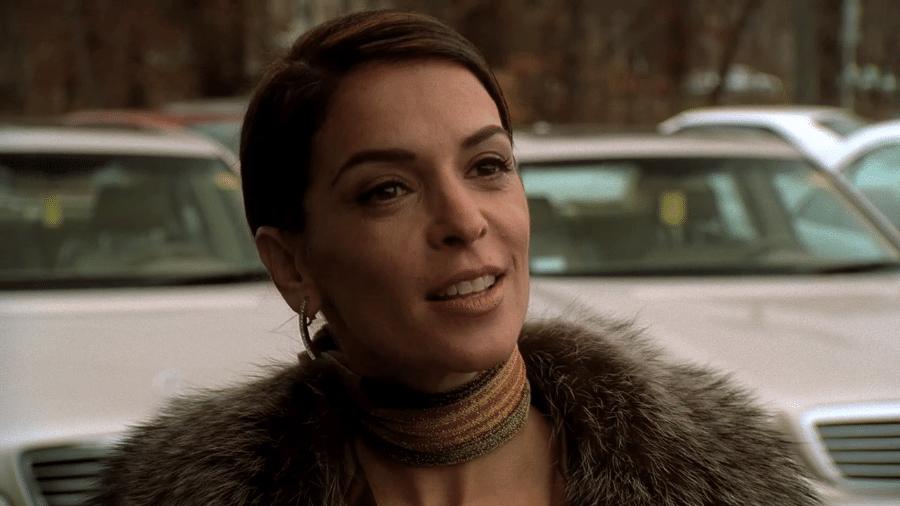 """Annabella Sciorra em cena de """"Família Soprano"""" - Reprodução"""