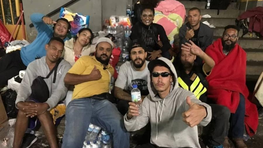 Ex-BBBs Nayara e Viegas ajudam vítimas de prédio que desabou em São Paulo - Reprodução/Instagram/nayaradedeusoficial