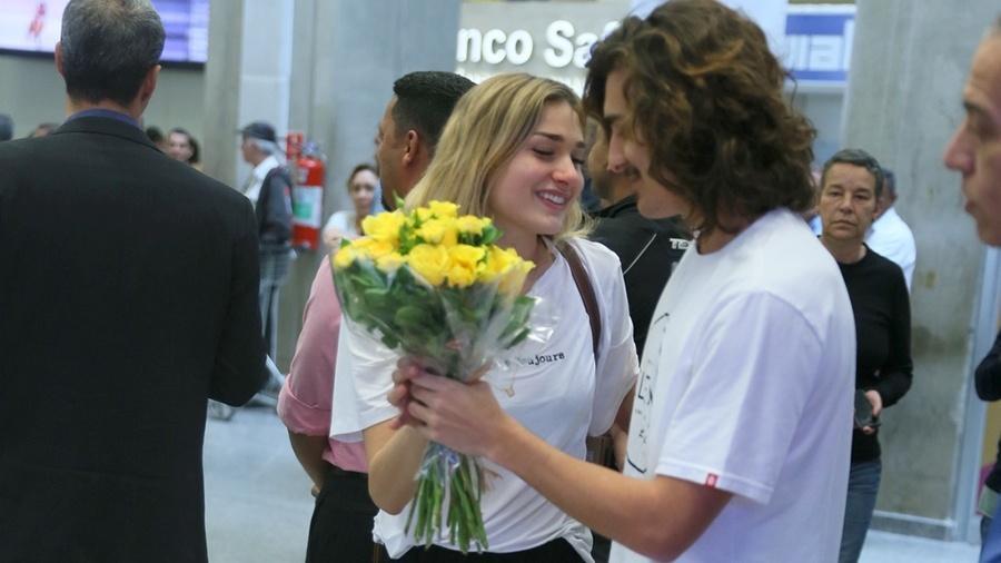 Sasha se emociona com surpresa do namorado Bruno Montaleone no aeroporto do Galeão - Anderson Borde/Ag.News