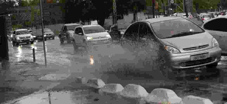 Manutenção de alguns componentes pode evitar problemas durante chuvas - Renato S. Cerqueira/Futura Press/Folhapress