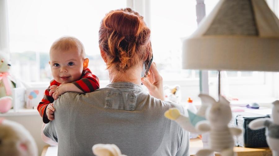"""Um tempo sozinha e um """"vale night"""" para a mãe podem ser mais valiosos do que um presente material - iStock Images"""