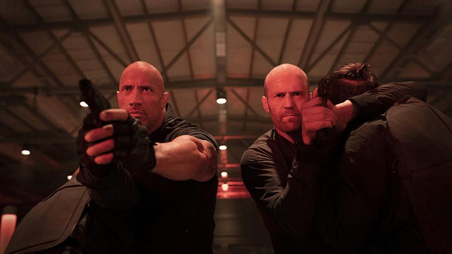 The Rock e Jason Statham em cena de Velozes & Furiosos: Hobbs & Shawn - Reprodução