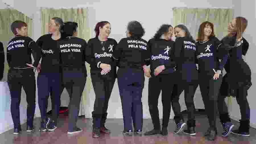 Projeto criado pela psicóloga Cristina Melnik leva dança a mulheres que vivem com câncer - Divulgação