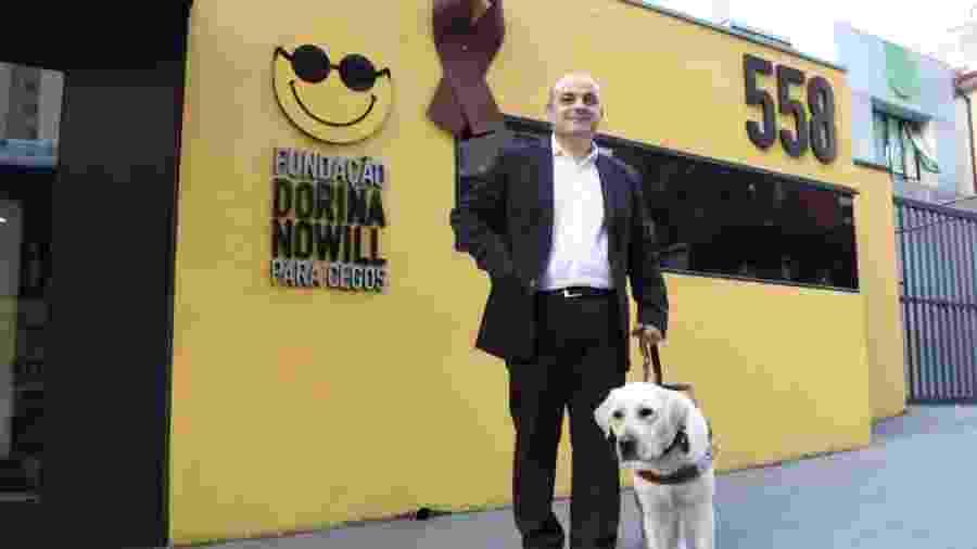 Marcelo perdeu a visão há quase 20 anos e voltou a trabalhar por conta da Lei de Cotas  - Divulgação/Dorina Nowill