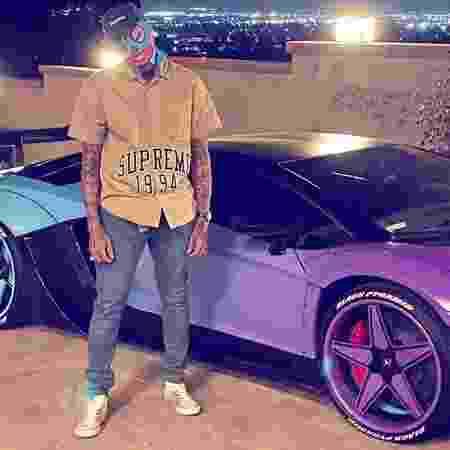 Chris Brown e sua Lamborghini Aventador SV - Reprodução