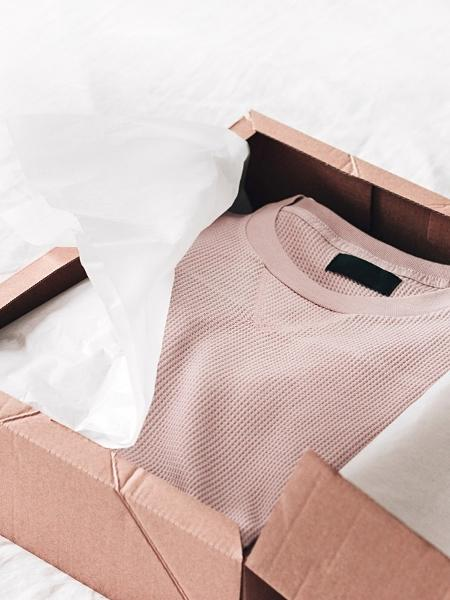 Compra de roupas online: moda sofreu com a pandemia, mas dá sinais de recuperação - Getty Images/iStockphoto