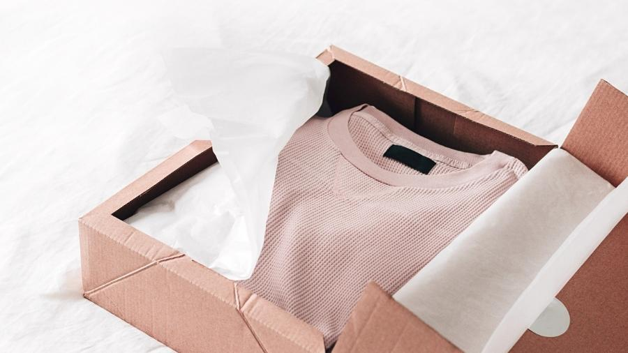 Compra de roupas online registram aumento em meio à pandemia do coronavírus - Getty Images/iStockphoto