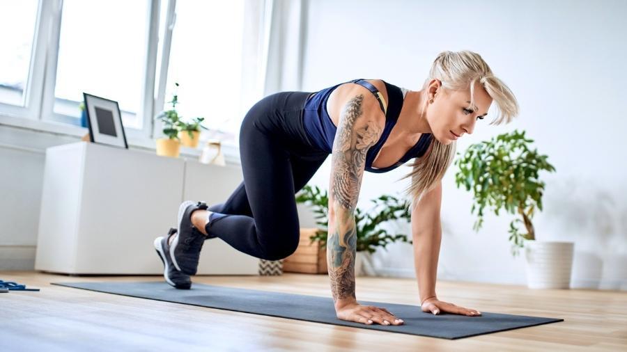 O treino intervalado de alta intensidade (HIIT) é eficiente para promover o ganho de força, queima de gordura e benefícios à saúde - iStock