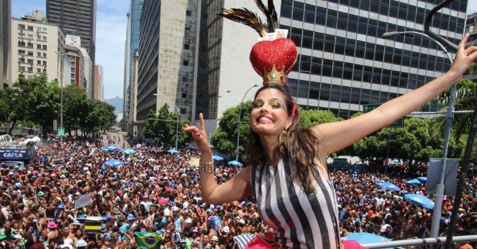 14.fev.2016 - Emanuelle Araújo, primeira rainha de bateria da história do Monobloco, que desfila pelo 16º ano no centro do Rio