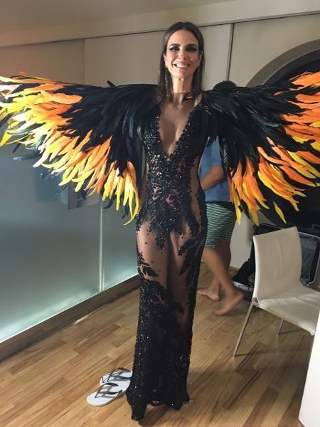 Luciana Gimenez recebeu reportagem do UOL antes do Baile da Vogue - Gisele Alquas/UOL